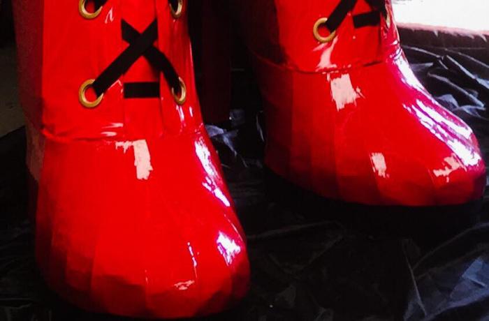 GIANT Kinky Boots