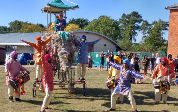 Dancing Maharajas